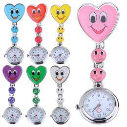 Argentina Hot Smile Face Heart Clip-on Enfermera Doctor Broche Colgante Fob bolsillo reloj de cuarzo cheap quartz nurses watch Suministro