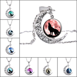 Wholesale Wolf Totem Pendant - 2017 new fashion jewelry Europe and the United States moon gem necklace wolf totem retro alloy pendant necklace wholesale collar