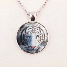 Wholesale Wholesale Rhinestone Leopard Necklace - New Leopard Pendant Necklace White Tiger Painting Jewelry Glass Photo Cabochon Necklace