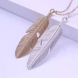 Wholesale Womens Silver Long Necklaces - Womens Feather Pendant Necklace Retro Long Chain Necklace Silver Gold Plated Sweater Chain Clavicle Leaves Chain Free DHL D295L