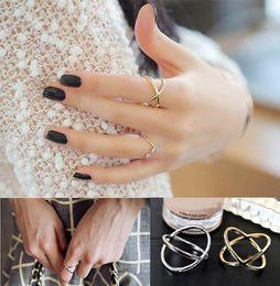 silberplatte kaufen Rabatt Fashion Band Ringe Rush Buy Frauen Ring Schmuck Finger Tiara Ring Schmuck Zubehör X 3D Midi Finger Ringe Goldenes Silber Überzogene Schmuck