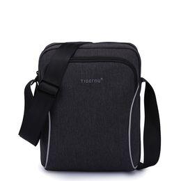 B020T 2017 Vente Chaude Casual hommes d'affaires splashproof messenger bag mini ipad sacs crossboody sac Sacs à bandoulière pour femmes ? partir de fabricateur