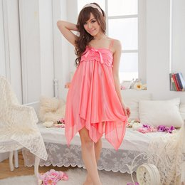 Venta al por mayor-Seda de imitación Irregular Noche Vestido de dormir Ropa de dormir Mujer Camisones Batas desde fabricantes