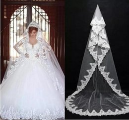 Wholesale Dress Bride Layers - Beautiful Long Bridal Veils for Ball Gowns Wedding Dresses 2018 Cheap Cathedral Train with Lace Edge One-Layer Wedding Veils for Bride 068