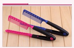 Wholesale South Korean Hot Models - South Korean hot hair modelling - the new V clip-on design comb comb curly hair comb hair straightening plastic pink to blue