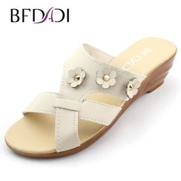 Wholesale Wedge 37 - Wholesale-2016 Summer new fashion lady Pure color flower decoration female wedges sandals slippers women sandals Big size 37-42 A-1