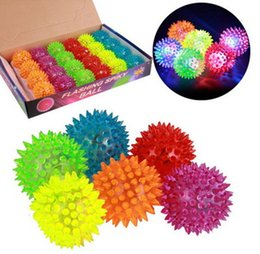 Wholesale Led Flashing Bounce Balls - Soft Rubber Flash Ball LED Toys Hedgehog Ball Bouncing Ball Flash Barbed Led Flash Pet Toys Christmas Birthday Festival Gift