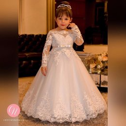 Wholesale Christmas Light Boat - Vintage Princess Flower Girls Dresses for Weddings Lace Long Sleeve Boat Neck Vintage Girl Pageant Gowns Cheap Holy Communion Dress