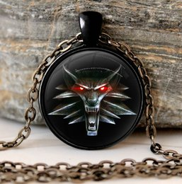 Wholesale Hunting Sweaters - Wholesale-The Witcher 3 glass cabochon Necklace Pendant the wild hunt 3 figure game wolf amulet Sweater Chain Gift