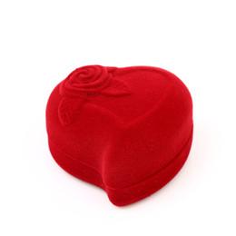 Argentina Venta al por mayor 100pcs / lot romántica rosa terciopelo anillo de compromiso de cumpleaños caja roja en forma de corazón anillo de regalo de día de san valentín caja de terciopelo anillo cheap romantic ring box Suministro
