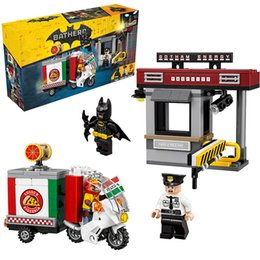 Wholesale Hero Delivery - Lepin 07057 Super Heroes Batman Scarecrow Special Delivery building Blocks New year Gift Toys for children Bela Decool 70910