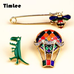 Wholesale Balloon Bee - Timlee X242 Cartoon Cute Bees Dinosaur Enamel Hot Air Balloon Metal Brooch Pins Jeans Bag Decoration Brooches Gift Wholesale