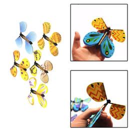 Творческий магия бабочка летать бабочка изменение с пустыми руками Свобода бабочка магия реквизит фокусы 500 шт. IB207 от