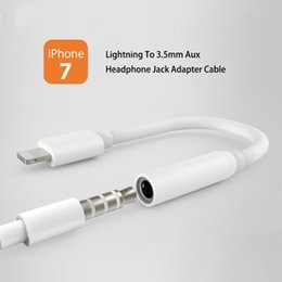 3.5mm cable de audio del conector online-Para IPhone7 plus IOS PC Lightning a 3.5mm Jack Aux Cable de audio Adaptador de cable para auriculares a mujer Hembra para IPhone5 5s 5c 6 6s 6plus 6splus