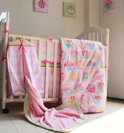 Wholesale Girls Strawberry Bedding - 13 Pieces Pink heart strawberry flowers Baby Bedding Set Quilt Bumper Mattress Cover Bed Skirt Blankets Diaper Bag wall hanging