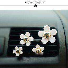 Wholesale Car Vent Air Freshener - 4pcs set Car Perfume Air Freshener Clip Daisy Flower Car Air Vent Clip Perfume Air Conditioner Car Freshener Solid Fragrance AUP0003