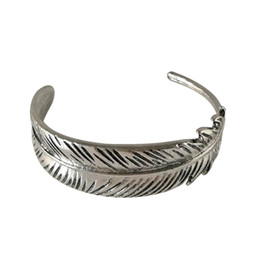 Wholesale Bracelet Big Vintage - Wholesale Vintage Silver Gold Plated Feather Bangles for Woman Metal Big Feather Leaf Charms Bracelet Bangles Women Open Size Jewelry Gifts