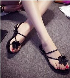 Wholesale Girls Shoe Clips - The 2017 summer fashion classic New Flower Clip toe rubber flat sandals sandals shoes two girls wear