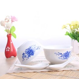 Wholesale Blue Chinese Bowl - 6 inch 4 Pieces Ceramics Dinnerware Set Chinese Blue and White Bowls and Spoon Bong China Porcelain in-glaze Decoration Gift