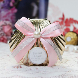 Wholesale Beach Theme Party Favors - Beautiful Wedding Candy Boxes Favors Colorful Shell Conch With Ribbon Beach Theme Candy Favor Box Party Return Gifts ZA3239