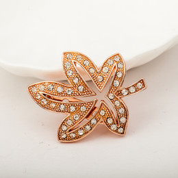 Wholesale Trendy Costume Fashion Jewelry - Trendy Clear Crystal Rhinestones Maple Leaf Brooches Lapel Pins Plant Costume Jewelry For Women Fashion Classic Brooch Pin