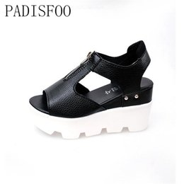 Wholesale Anti Skid Pvc - POADISFOO Summer Style Women sandals Anti skid platform sandals 4cm thick heels letter print zip sandals for women .DFGD-47