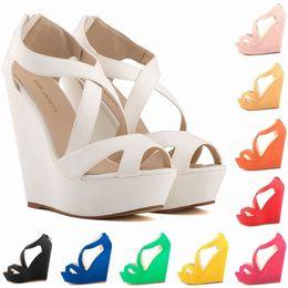 Искусственный замшевый насос онлайн-Sapato Feminino Модные женские туфли на платформе из искусственной замши с открытым носком на высоком каблуке Босоножки на танкетке EUR Размер 35-42 D0092