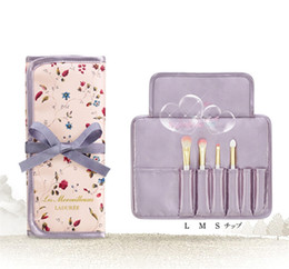 Wholesale Bags Wholesale Prices - LES MERVEILLEUSES LADUREE Makeup 4pcs BRUSH SET with bag eyeshadow powder foundation eyebrow brush japan brand factory price