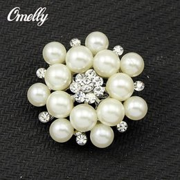 Wholesale Small Pearl Clusters - Silver Plated Cream Faux Pearl Cluster Crystal Diamante Small Pin Brooches Flower Christmas Brooch Bouquet New Jewelry