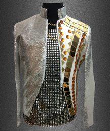 Lentejuelas reflectantes online-Al por mayor-Plus tamaño hombres lentejuelas espejo chaqueta delgada Paillette lente reflectante remache traje traje de hombre ds chaqueta traje de chaqueta superior