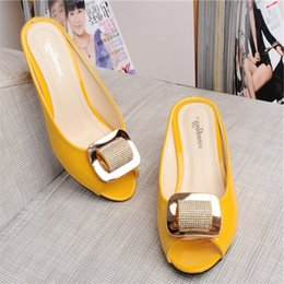 Wholesale Rhinestone Flat Back Red - Wholesale-New Brand Style Fashion Open Toe Women Summer Sandals Crystal Thick Heel Rhinestone Slippers Middle Aged Women Slides Big Yards