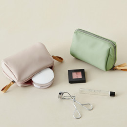 Wholesale Travel Bags Korea - South Korea is simple waterproof and hand in hand to take stereo trumpet makeup bag travel to make up a bag