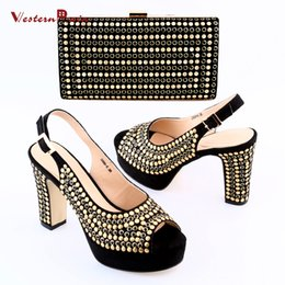 Wholesale High Heel Ornaments - 2017 Shoes and bag maching set in summer High heel with gold wave points ornament and hand bag matching set for fashion women