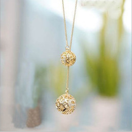 Wholesale Necklace Diamond Texture - High Texture Diamond Spherical Necklace Hollow Out Gold-plated Double Ball Beautiful Pendeloque Cut Pendant Land Beach Best Sellers