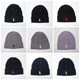 Sombreros esposados online-Hombres Firma Beanie Mujer Invierno Cálido Sombrero de punto Deportes al aire libre Cuff Hat Beanie 10 colores LJJO3477