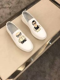 Wholesale White Box 43 - With box 2017 wholesale shoes, leisure slippers, made of genuine leather top quality loafers ,white size of 38-43