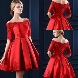 marcas americanas vestidos de noite Desconto 2017 Elengant Little Red Satin Lace Apliques Uma Linha Vestidos de Noite Fora Do Ombro Plissados Mini Prom Curto Partido Vestidos de Celebridade Cocktail vestido