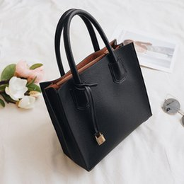 Wholesale Leather Body Harnesses For Women - Floral shoulder harness style totes bag, vogue clutch bag, western style shoulder bag, characteristic lady bag for elegant life