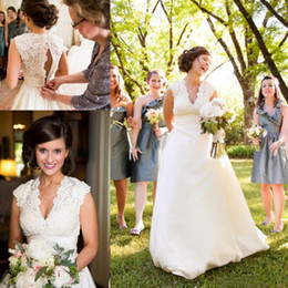 Wholesale Sexy Western Tops - Plus Size Taffeta Country Wedding Dresses 2018 Cheap Lace Top Western Deep V-Neck Sleeveless Bridal Wedding Gowns Vestidos De Novia