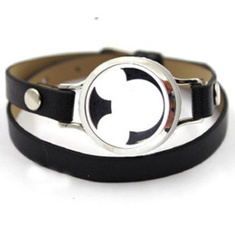 Wholesale Wholesale Paw Clasp - 4 Styles Lovely Pet Paw 30mm 316L Stainless Steel Twist-Off Perfume Essential Oil Locket Black Leather Braceletl With Free Pads