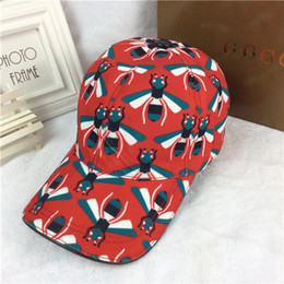Wholesale Printed Shades - High quality sun hat fashion small bee baseball cap designer ball caps European brand duck tongue hat outdoor travel Shade hats With Box