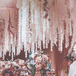 2019 fiori d'orchide pendenti Fiore artificiale Vine Orchid Hanging Flower String Ghirlanda Wedding Party Home Wall Decorazione fai da te Artigianato Forniture fiori d'orchide pendenti economici