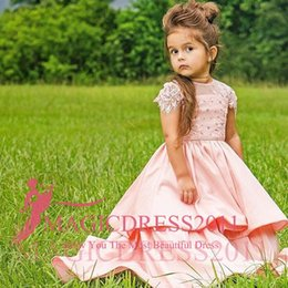 Wholesale Luxurious Communion Dresses - 2018 Garden Vintage Lovely Flower Girls A Line Jewel Short Sleeve Sweep Train Lace Applique Tiered Skirts Luxurious dress For Girls