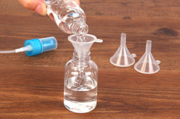 Wholesale Plastic Perfume Funnel - Small Funnels Makeup Liquid Container Perfume Transparent Plastic Funnel 4cm Travel Helpful Oil Filing Empty Bottles