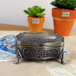 Wholesale Princess Display - Fashion Metal Jewelry Display Box Gift Box Vintage Alloy Metal Ring Storage Box Princess Necklace Case Packaging Silver ZA3215