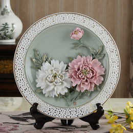 Wholesale Decorative Brackets - Chinese ceramic decoration art creative peony hanging plate filled living room decorative gift Home Furnishing disc bracket