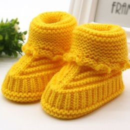 Argentina Lindo bebé recién nacido hecho a mano Infant Boys Girls Crochet Knit Booties Casual cuna zapatos F28 zapatos de bebé cheap baby boy newborn crochet booties Suministro