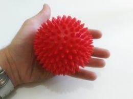 Puntos de masaje de pies online-9cm 3.5 pulgadas Efectivo Spiky Massage Ball Trigger Point Foot Muscle Pain Relief Yoga Cuidado de la salud Masaje corporal completo (3 colores)