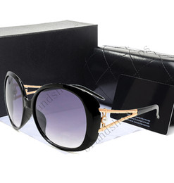 Wholesale Case Eyewear - Novel Goggle Outdoor brands designer Eyewear Sunglasses lady women black shades Fashion Retro with original Zipper case