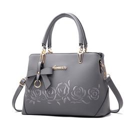 Wholesale Nice Tote Bags - Europe Fashion Nice Lady Bags 2017 Ladies handbags designer bags women tote bag luxury brands G bags Single shoulder bag Stereotypes sweet